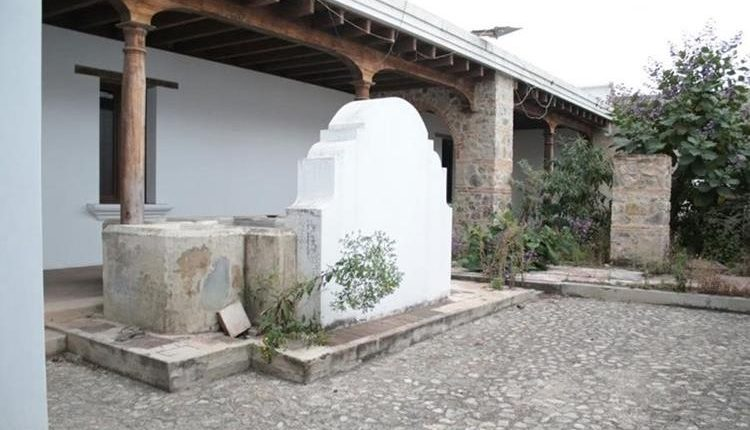 Así es la casa de Alejandro Sinibaldi ubicada en la Antigua Guatemala, que pasará a la Senabed. (Foto Prensa Libre: Hemeroteca)