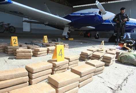 La despenalización permitiría que los narcóticos pasen por el territorio nacional. (Foto Prensa Libre: Archivo)