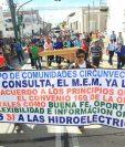 Pobladores de Alta Verapaz Protestan en la Corte de Constitucionalidad para pedir que rechacen las acciones contra la hidroeléctrica Oxec. (Foto Prensa Libre: Esbin García)