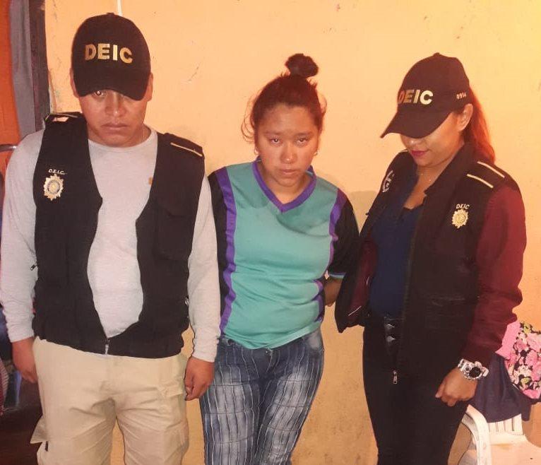 Capturan a Samira Yamileth Morales Chavez por el asesinato de una mujer en abril pasado. (Foto Prensa Libre: Estuardo Paredes)