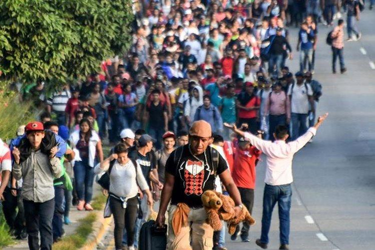 Los migrantes hondureños avanzan hacia EE. UU., en su deseo por escapar de la violencia en su país. (Foto Prensa Libre: Hemeroteca PL / AFP)