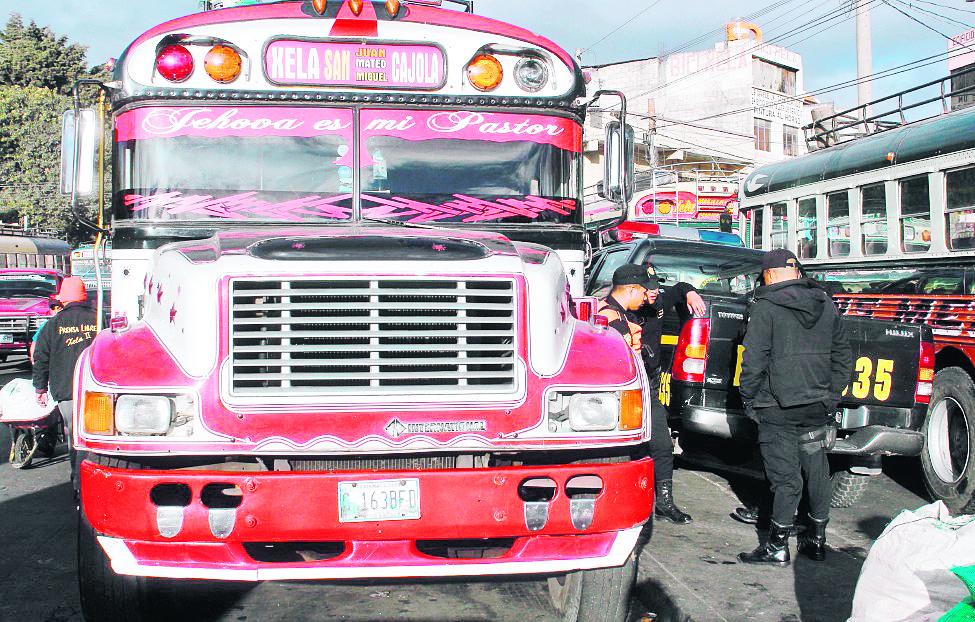 En Quetzaltenango han ocurrido varios ataques al transporte extraurbano por las extorsiones.(Foto Prensa Libre: Hemeroteca PL)