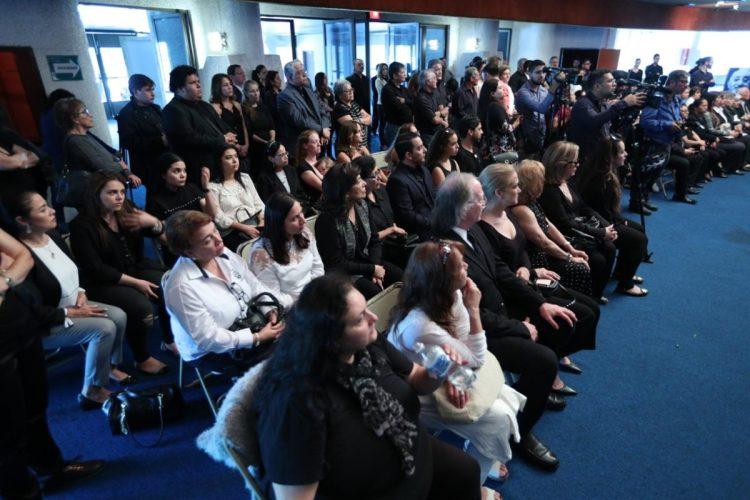 Gran afluencia de personas asistió a darle la despedida al artista Luis Galich