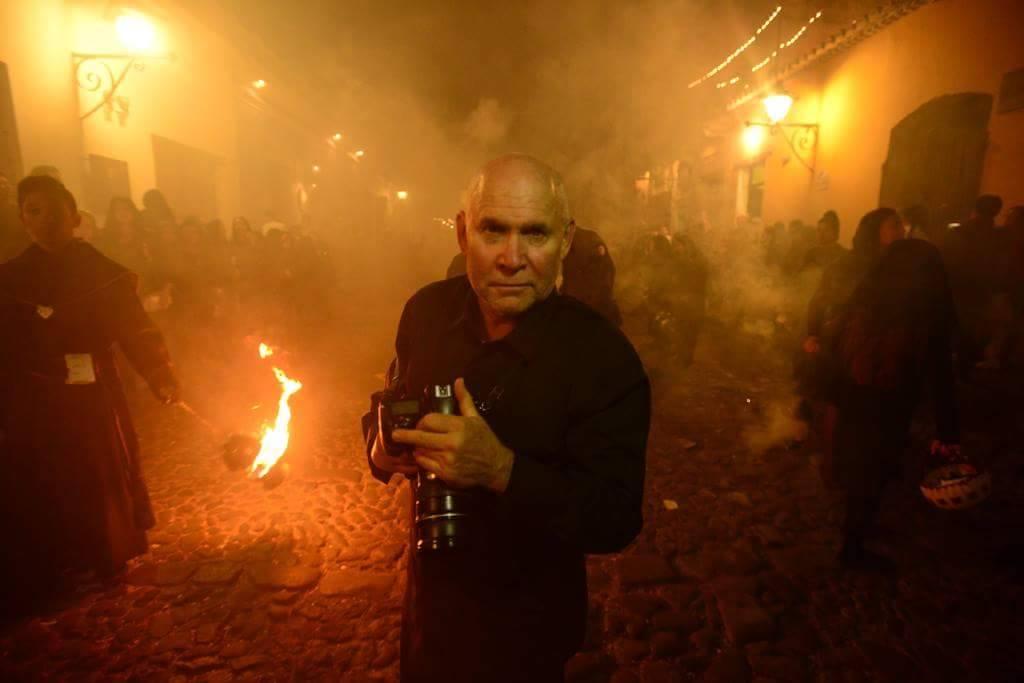 McCurry, el fotógrafo de National Geographic que ha ido desde Afganistán hasta Guatemala
