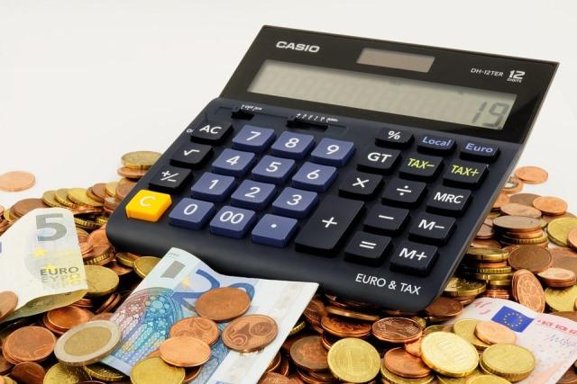 Ahorrar contribuirá a mejorar su situación financiera. (Foto Hemeroteca PL)
