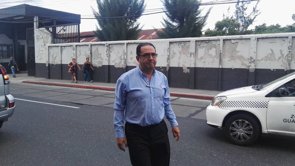 Samuel Morales al llegar al juzgado este martes. (Foto Prensa Libre: Jerson Ramos).