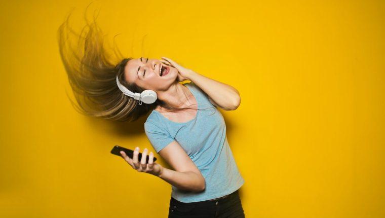 ¿Cuántas horas dedicamos a escuchar Spotify? Ahora lo podemos saber (Foto Prensa Libre: Servicios / Pexels).