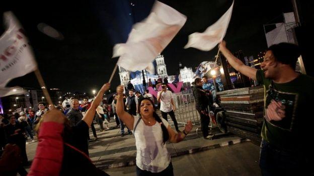 El festejo no se hizo esperar en la Ciudad de México. (Reuters).