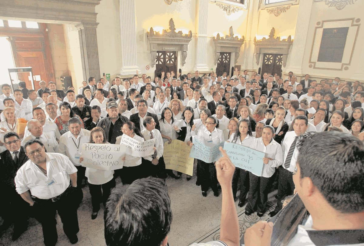 Congreso tramita destitución de 90 trabajadores