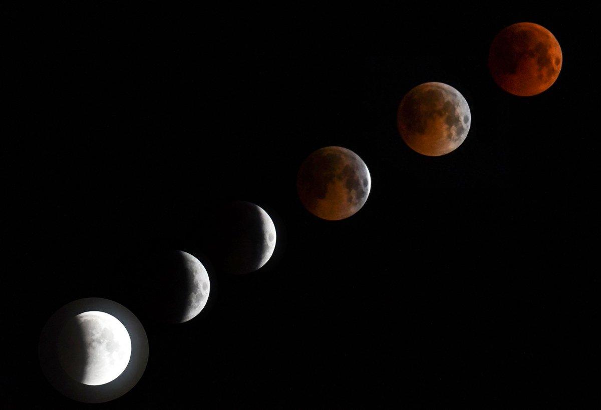 Aparte de que fue el eclipse más largo, la luna de se tiñó de rojo. (Foto: Hemeroteca PL)