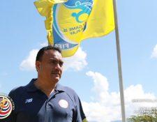 Carlos Batres afirma en su presentación que trabajará para que el arbitraje de Costa Rica sobresalga. (Foto Prensa Libre: Federación de Futbol de Costa Rica)