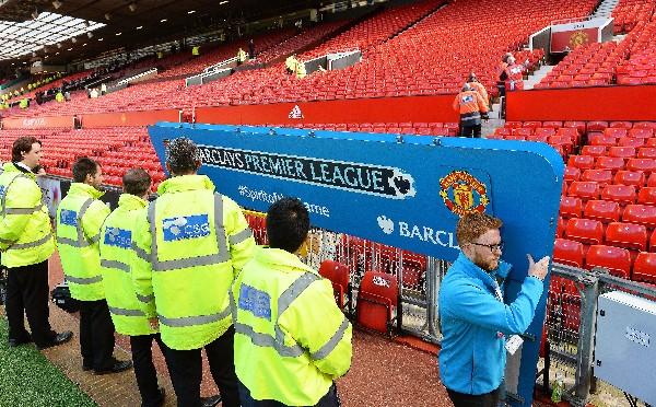 Manchester United en el centro de las críticas tras la evacuación