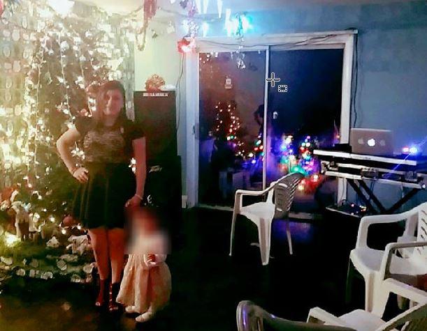 """Fotografía que Lisbet Méndez publicó junto a su bebé de 1 año la madrugada del día que la mataron, en la que deseó a sus contactos """"feliz Año Nuevo"""". (Foto tomada de Facebook)"""