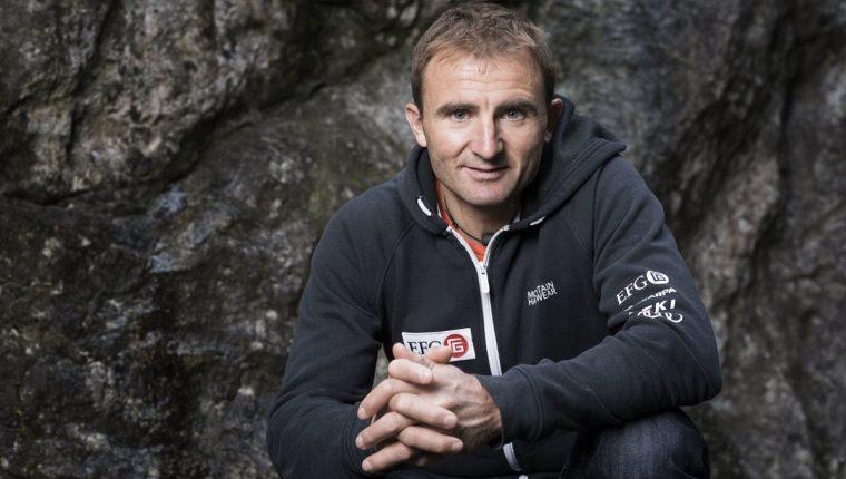 Ueli Steck falleció en el Éverest mientras se entrenaba para una nueva aventura. (Foto Prensa Libre: AFP)
