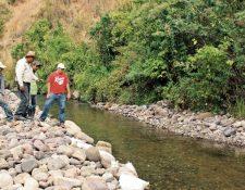 El caudal del río Los Plátanos, Sanarate, El Progreso, se ha reducido en el 80 por ciento, según vecinos del lugar.