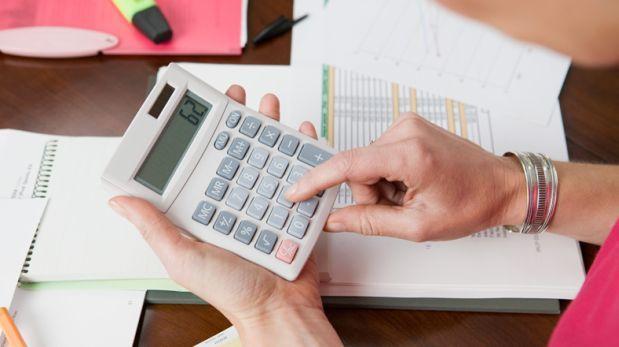 En los últimos siete años, el poder de compra bajó más del 22%. Esa es una de las razones por las que hoy el salario real es menor al monto que uno recibe. (Foto Prensa Libre: Hemeroteca)