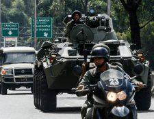 """Megaoperativo para capturar a """"policía rebelde"""", en Caracas, Venezuela. (Foto Prensa Libre: AFP)"""