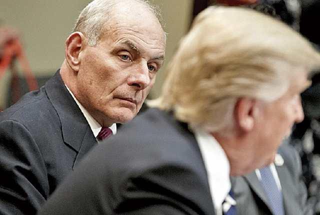 John Kelly, secretario de Seguridad, junto a Donald Trump, presidente de EE. UU.