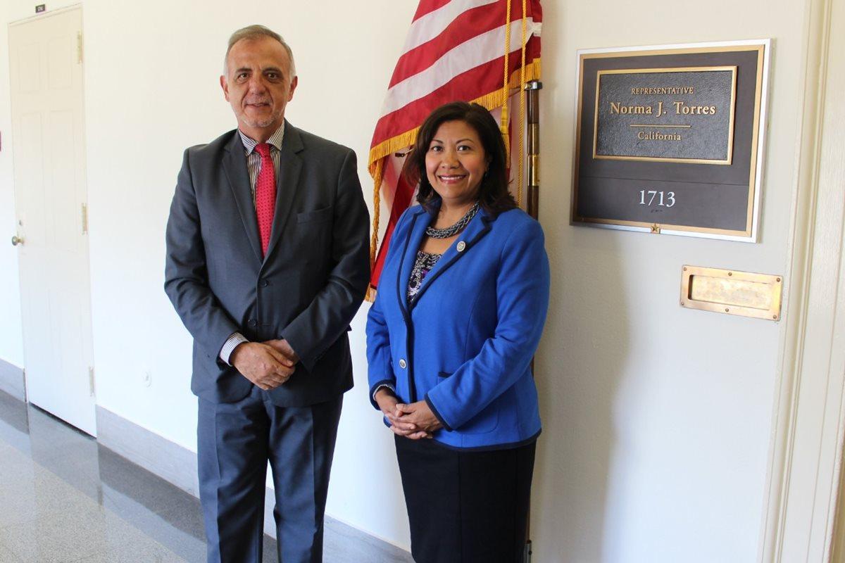 Norma Torres se reúne con Iván Velásquez; senador pide a EE. UU. presionar a Jimmy Morales