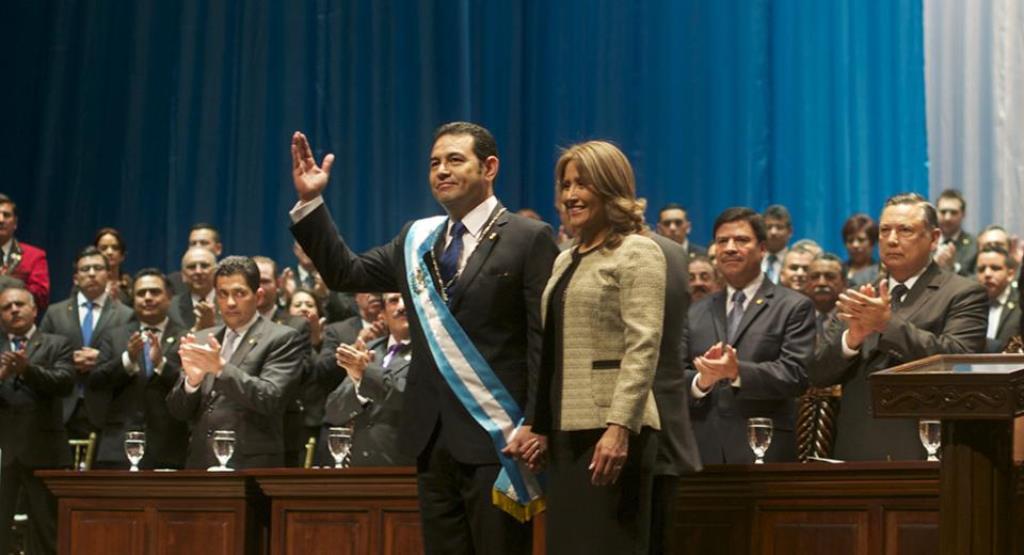 El presidente Jimmy Morales asumió la presidencia en 2016 y ha gobernado dos años llenos de enfrentamientos judiciales. (Foto Prensa Libre: Hemeroteca PL).