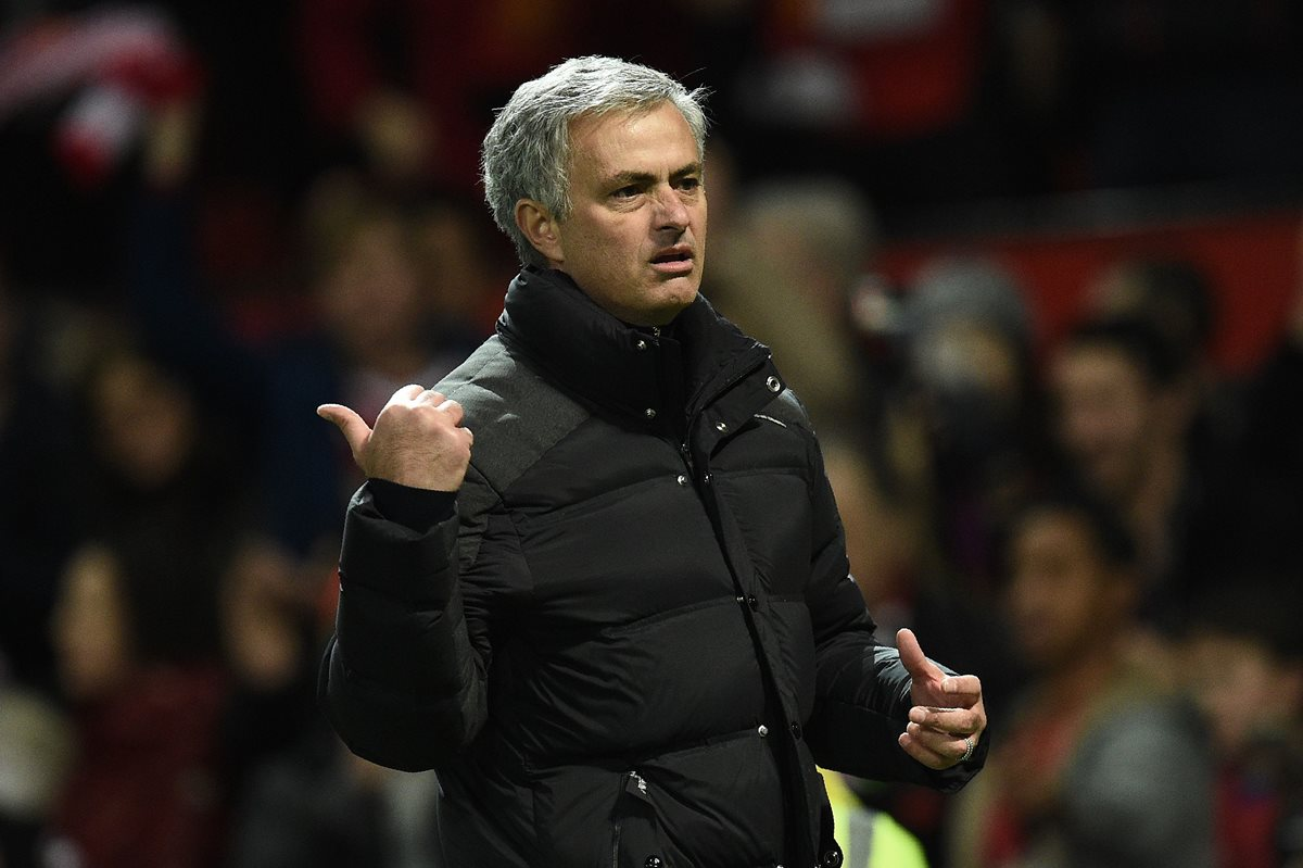 "Mourinho: ""Zidane, Ranieri y Santos merecen el Premio The Best"""