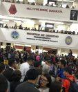 Estudiantes de Derecho se reúnen días después de los incidentes para exigir justicia por los estudiantes agredidos. (Foto Prensa Libre: Cortesía).