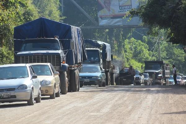 Tramo de la CA-2 Oriente en Guanagazapa, Escuintla, que se encuentra en malas condiciones. (Foto Prensa Libre: Hemeroteca PL)