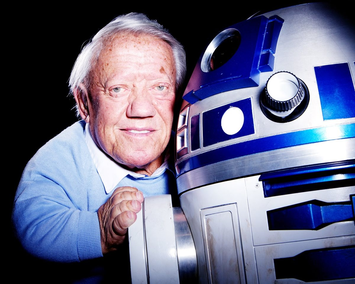 Fallece Kenny Baker, el actor que dio vida a R2-D2