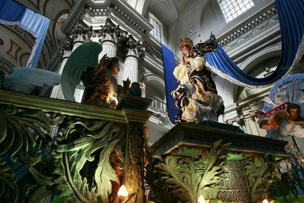 El rezado de Concepción volverá a revivir parte de su pasado al volver a la antigua Calle Real hoy Paseo de la  Sexta. (Saúl Martínez)