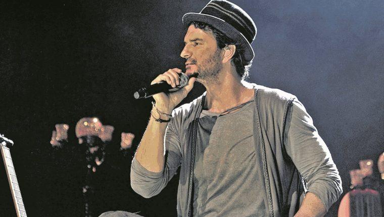 Un fallo de una corte dominicana favoreció al cantautor guatemalteco Ricardo Arjona. (Foto Prensa Libre: Hemeroteca PL).
