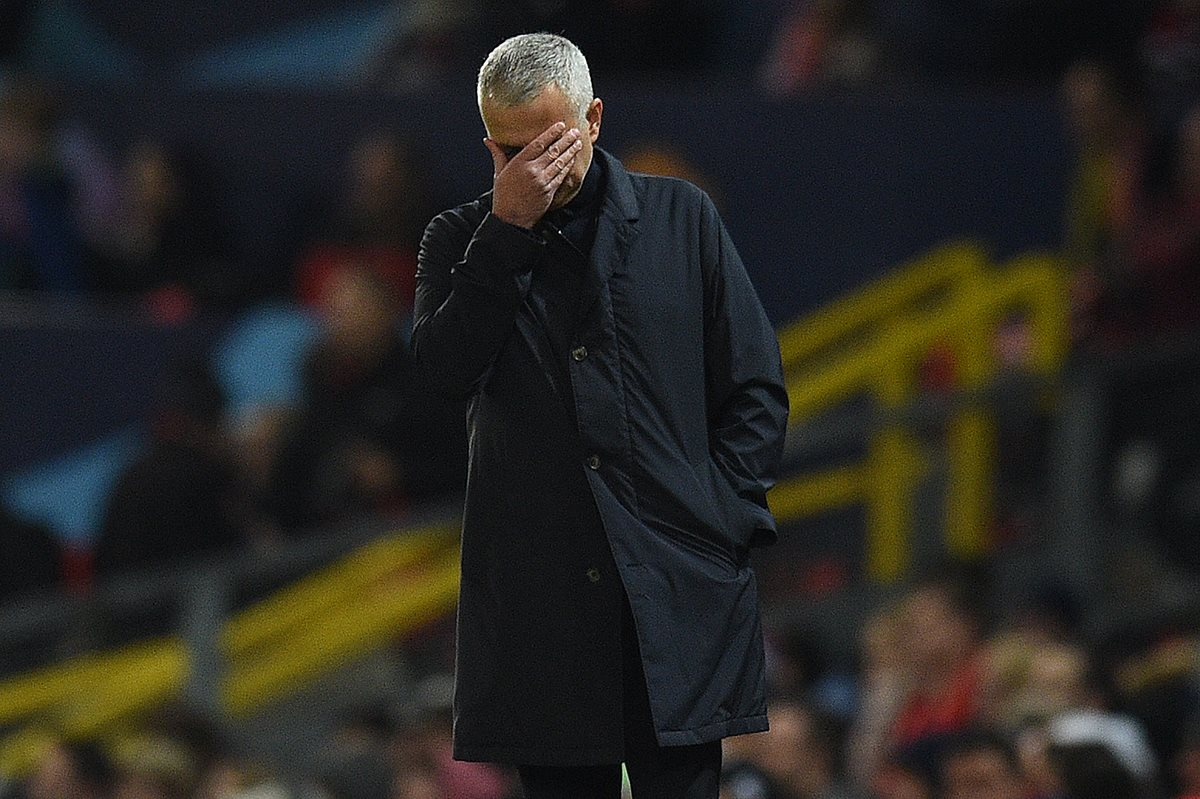 José Mourinho se queda sin equipo, pero aún tiene sed de triunfo. (Foto Prensa Libre: AFP)
