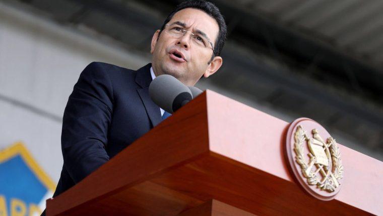 """Presidente niega """"pleito"""" con jefe de la PDH, a quien no ha atendido, en tanto se le cuestiona por reunirse fácilmente con sectores afines. (Foto Prensa Libre: Presidencia)"""