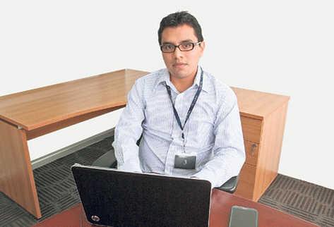 Alan Coyote programa herramientas empresariales basadas en cloud computing.