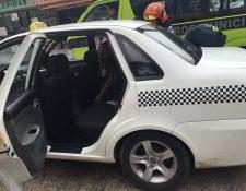 Una adolescente dio a luz dentro de un taxi en la zona 1 capitalina. (Foto Prensa Libre: Amílcar Montejo)