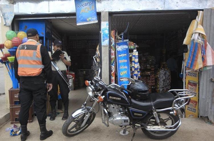 Desde pequeños comerciantes hasta empresas de transporte, son víctimas constantes de los pandilleros que exigen el pago puntual de las extorsiones. (Foto HemerotecaPL)