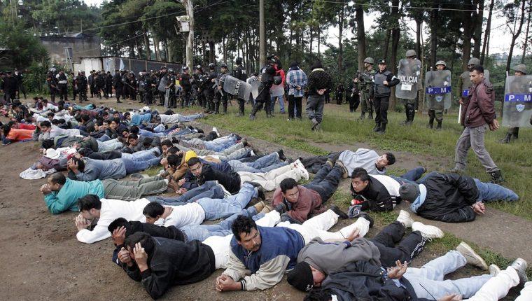 Sugerencia de ley busca emitir libertad temporal a detenidos por delitos menores y vulnerables al covid19. (Foto Prensa Libre: Hemeroteca PL)