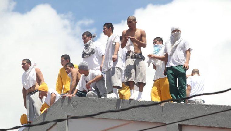Autoridades tienen documentado que la mayoría de alteraciones al orden en los centros de adolescentes en conflicto con la ley son provocados por mayores de edad. (Foto Prensa Libre: Hemeroteca PL)