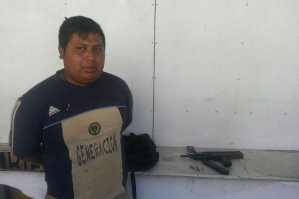 García pretendía huir de las fuerzas de seguridad pero fue capturado. (Foto Prensa Libre. Julio Lara).