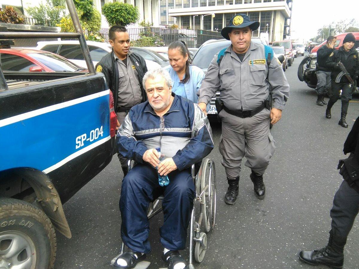 Francisco Javier Ortiz, alias Teniente Jeréz, llegó a la audiencia en silla de ruedas.