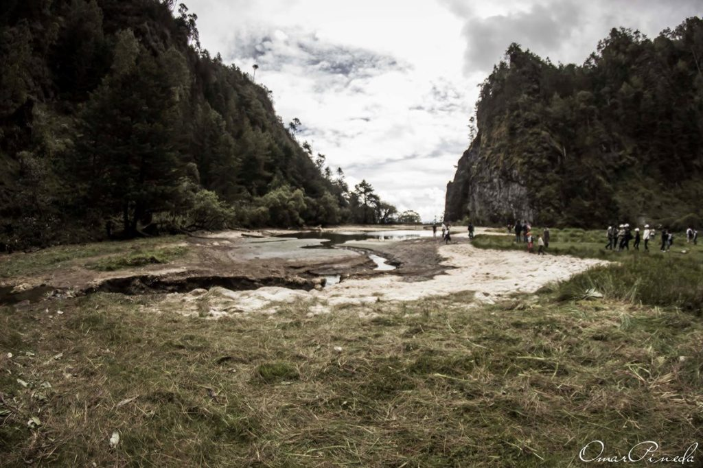 Ahora sólo puede verse fango seco y en pocas partes humedo como recuerdo de esta laguna.