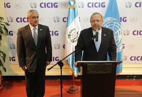 el presidente Otto Pérez Molina y el comisionado de la Cicig,   Francisco Dall'Anese, se reunieron ayer a puerta cerrada.