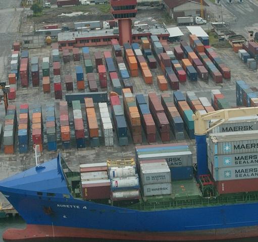 SAT advierte a portuarias para ejercer más controles