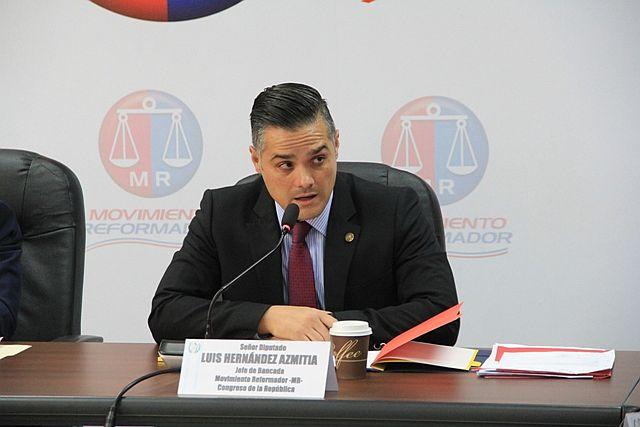 Luis Hernández Azmitia lidera la bancada Movimiento Reformado. (Foto Prensa Libre: Congreso)
