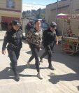 Melisa Roxana Sapón fue detenida en la diagonal 2 de la zona 5 de Xela, por posesión de drogas. (Foto Prensa Libre: Fred Rivera)
