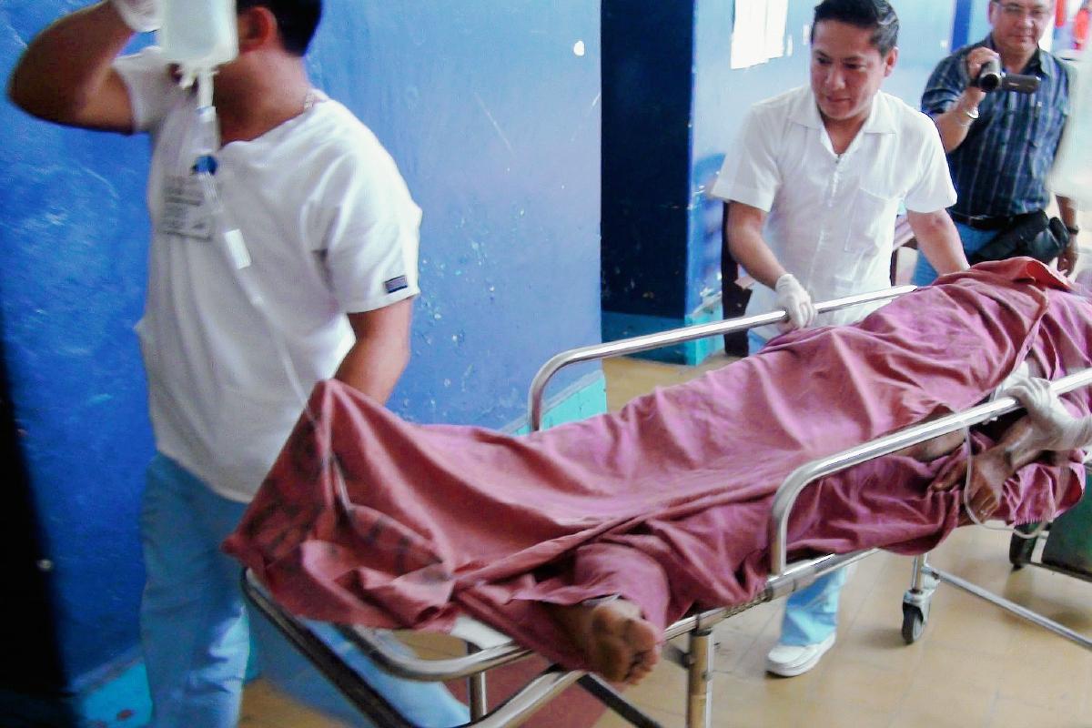 Dos son heridos con arma blanca en Mazate