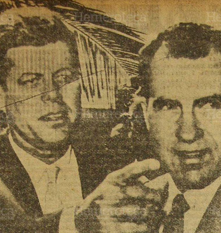 El presidente electo de los Estados Unidos, senador John Fitzgerald Kennedy (izquierda) aparece hablando con el vicepresidente Richard Milhous Nixon, durante la visita que le hiciera el primero al segundo en Miami, Florida. (Foto: Hemeroteca PL)