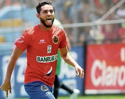 Edi Danilo anotó dos goles en el Clausura 2017. (Foto Prensa Libre: Hemeroteca PL)