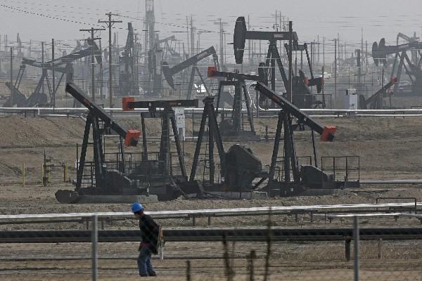 El petróleo acumula tres semanas consecutivas al alza