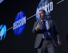 Kevin Ashton, innovador británico define al internet de las cosas como un mundo profundamente conectado que es posible gracias a la radiofrecuencia. (Foto Prensa Libre: Cortesía)