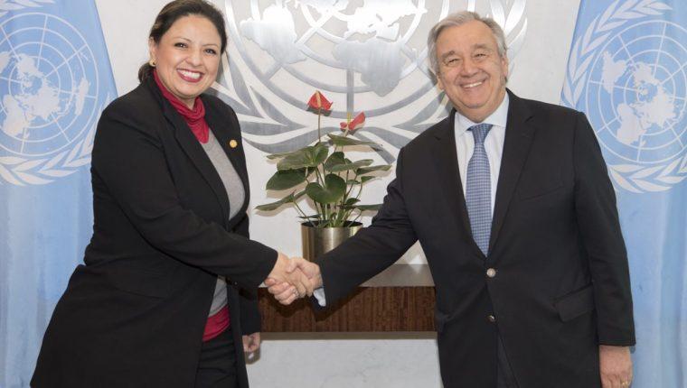 La canciller Sandra Jovel y el secretario general de la ONU, António Guterres, el día de la reunión. (Foto Prensa Libre: Naciones Unidas).
